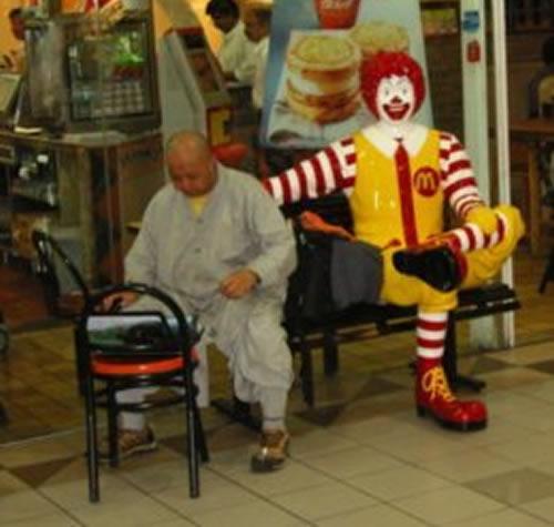 The sad truth about Ronald McDonald (27 pics)